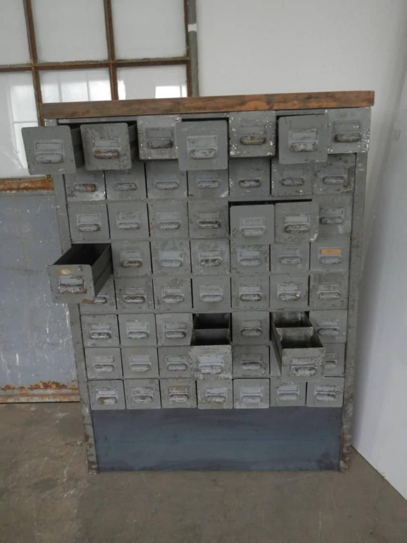 Cassettiera In Metallo Per Officina.Metal Chest Of Drawers For Workshops 50s